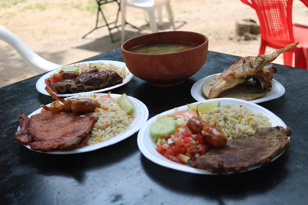 Los Roque, destino culinario mágico en Apopa
