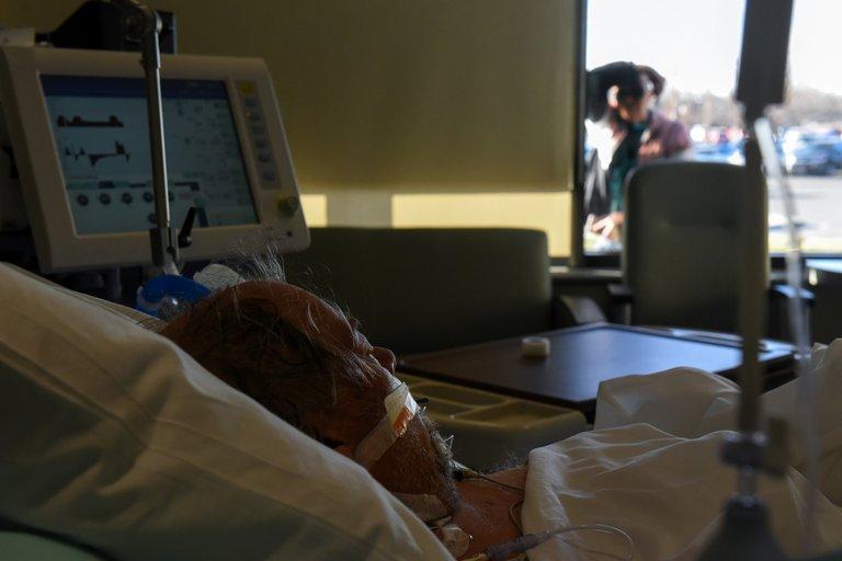 EE. UU. tiene más de 90 mil personas hospitalizadas por coronavirus