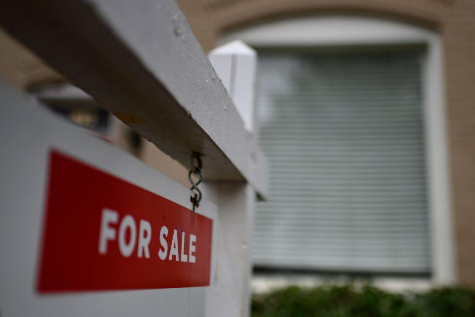 Latinos de California reciben menos préstamos para vivienda