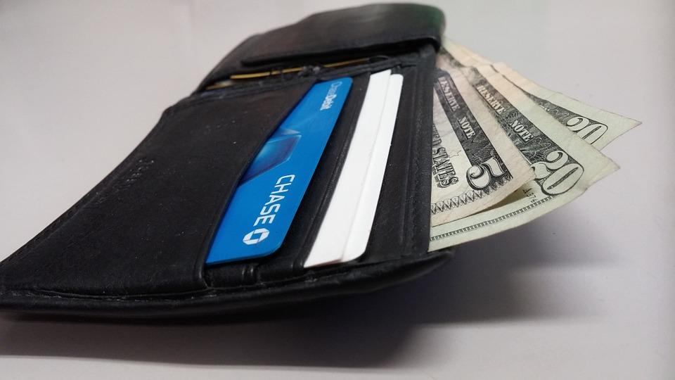 Aumenta envío de remesas para salvadoreños