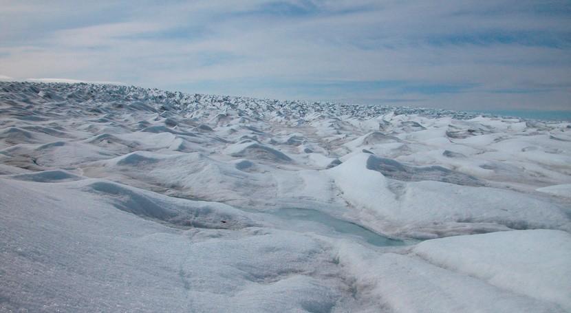 Detectan un posible río de 1.000 kilómetros bajo el hielo de Groenlandia