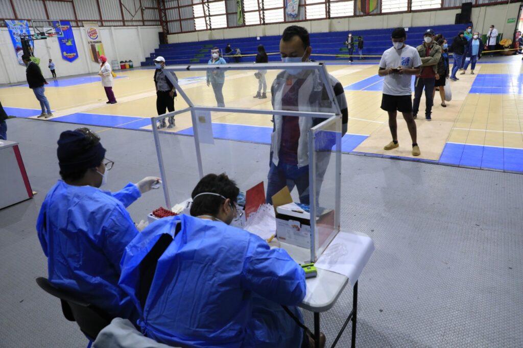 Realizan pruebas de coronavirus en Santa Tecla