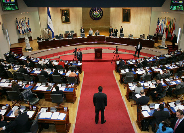 La Asamblea Legislativa regula transferencia de recursos para cancelar pensión pendiente de pago a veteranos y excombatientes