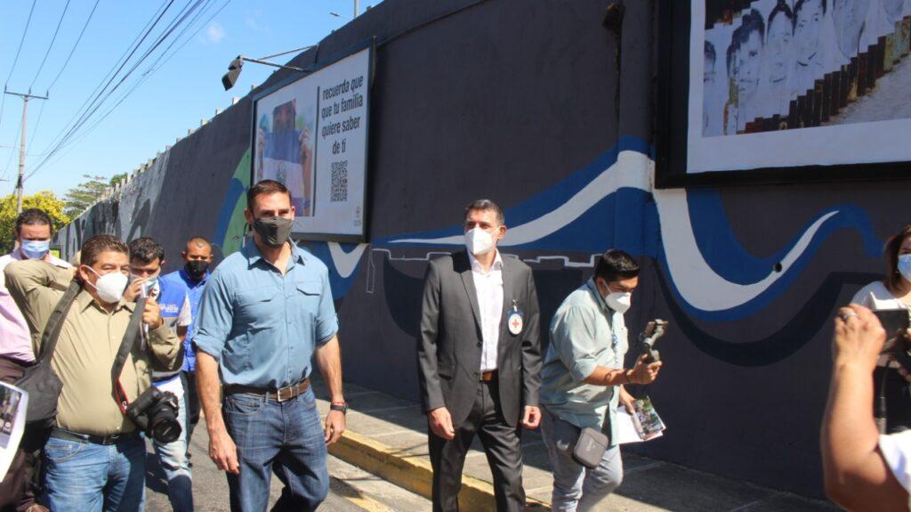 La alcaldía de San Salvador y el Comité Internacional de la Cruz Roja inauguran mural y exposición fotográfica