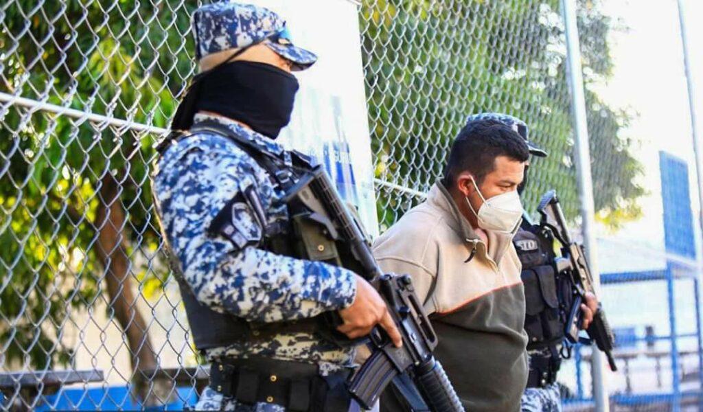 PNC captura a hombre por intento de feminicidio en vía pública en Usulután