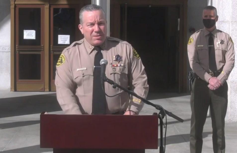Arrestan a más de 100 personas en una fiesta clandestina en Palmdale