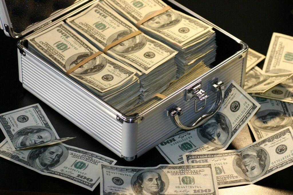 Ex Tesorera Nacional de Venezuela y su pareja son acusados de lavado de dinero y casos de corrupción