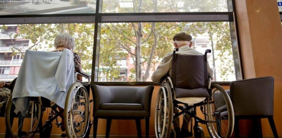 El Supremo español pide investigar las muertes por COVID-19 en las residencias de ancianos