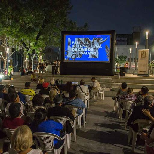 Ministerio de Cultura beneficia a la comunidad artística y cultural salvadoreña