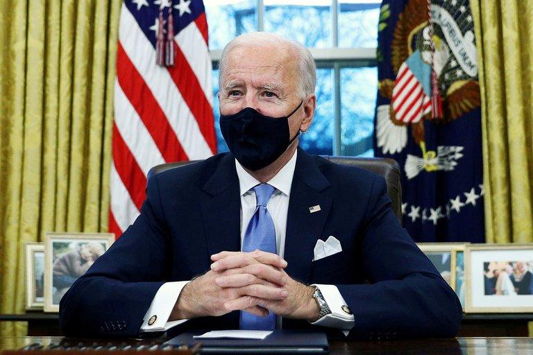 Administración Biden negocia con los republicanos para aprobar un paquete de ayuda de 1,9 billones de dólares