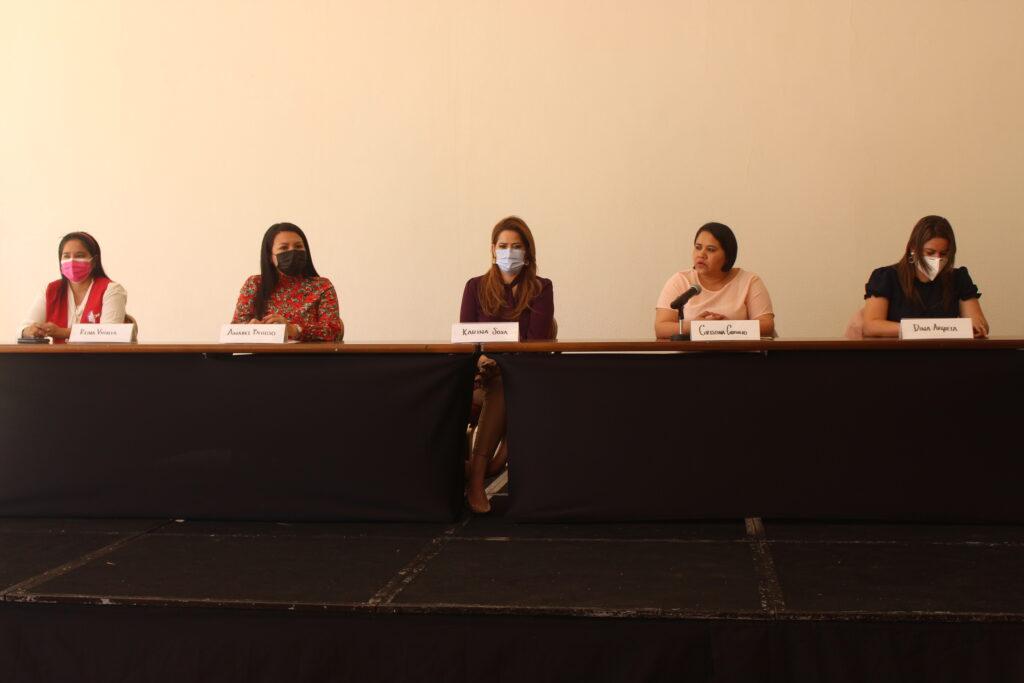 Candidatas del FMLN presentan plataforma para mujeres salvadoreñas