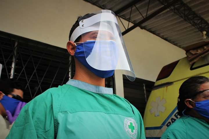 SISTEMA FEDECRÉDITO realiza donativo a cruz verde salvadoreña