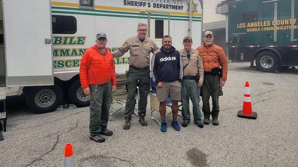 Encuentran a salvo a excursionista desaparecido del bosque nacional de Los Ángeles