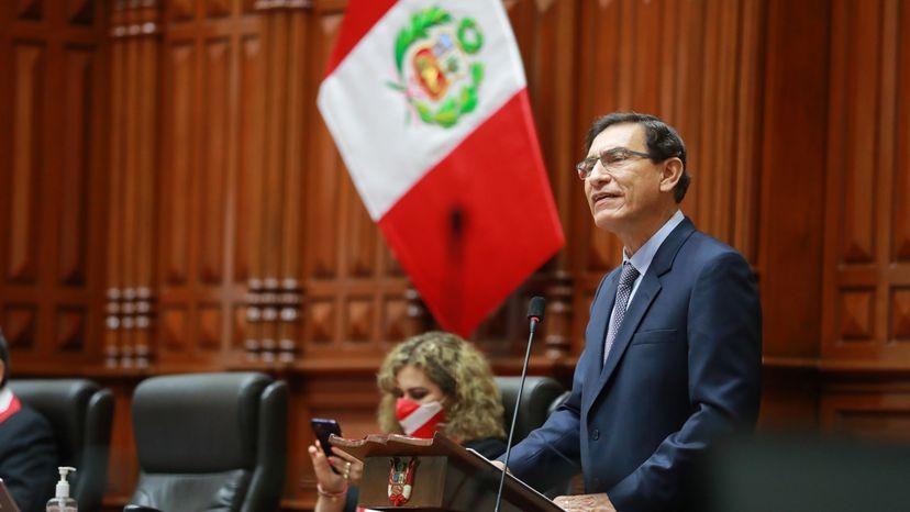 Congreso peruano debate inhabilitar por 10 años a Vizcarra por vacunación