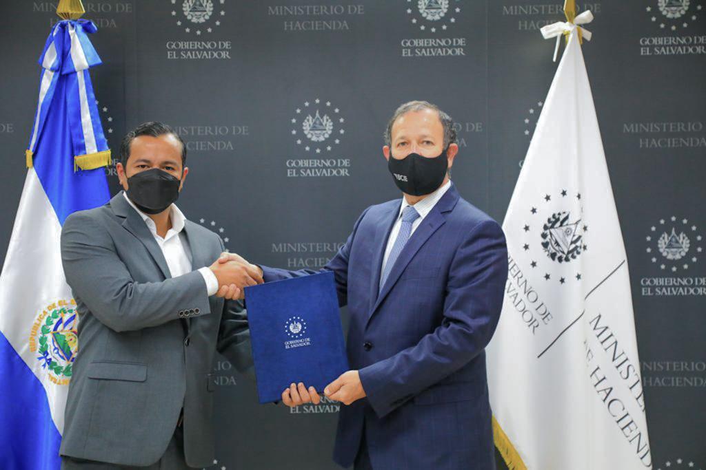 Gobierno firma convenio de préstamo para la construcción de un viaducto y ampliación de la carretera Los Chorros