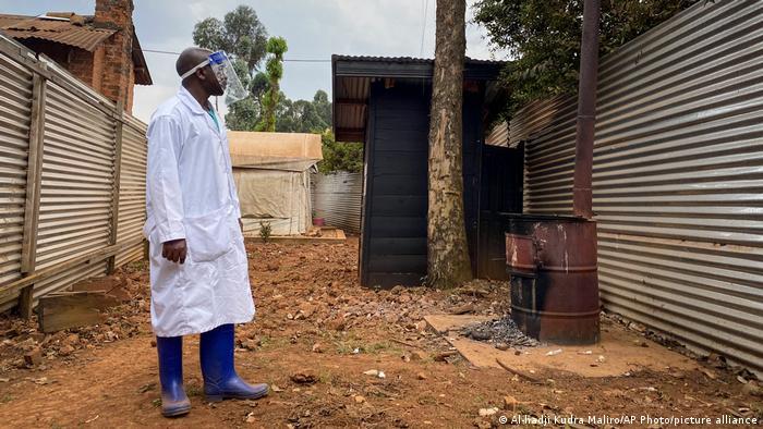 La OMS declara el final de la segunda epidemia de ébola en Guinea